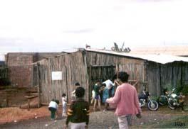 """Primeira """"Igreja"""" construída com bambus"""